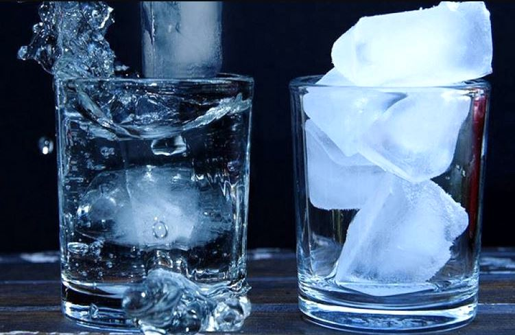 trebuie să bea apă în varicoză)
