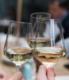 beneficiile consumului de vin alb muscat ottonel